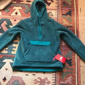 Brand New North Face fleece with tags!